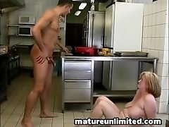 Moms hells kitchen fuck
