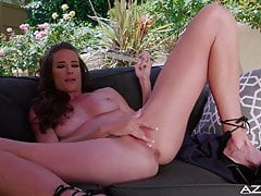 Uber-sexy cougar Sophie Marie fuck sticks outdoors