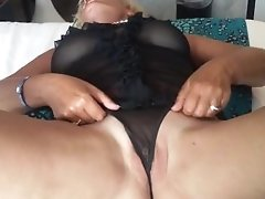 Wife sharing her pussy