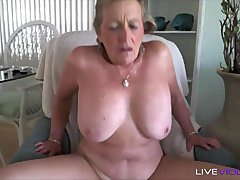 Florida busty old cougar Jackie Stone with a juicy ass