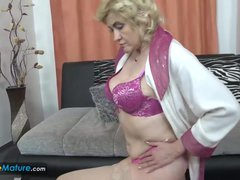 EuropeMaturE Mature Lady Evi Solo Play