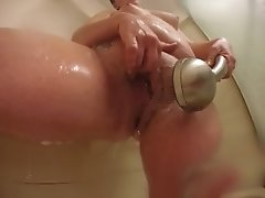 freakysamantha shower squirt