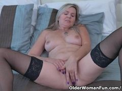 Canadian cougar Velvet Skye gives her puss a exercise with thumbs