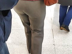 Tastey arse mature mummies in taut trousers