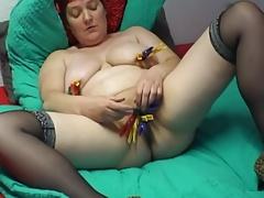 belle mature solo saggy tits