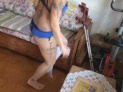 Carmen crutches