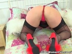 England's hottest cougar Lucy Gresty fuck sticks her fanny for us