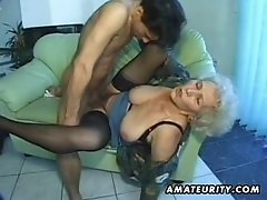 Old amateur mature mum sucks and fucks with cumshot