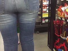 Latina cougar backside denim