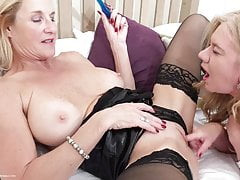 Big-titted brit cougar Molly cougar in lezzie activity