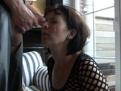 Mother gives sonny gargle job