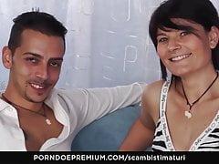 SCAMBISTI MATURI - Italian adult has 69 making love all over the brush darling