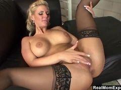 Whorey cougar Phoenix Marie Gets Creampied