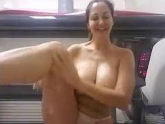 Mega-slut unveils her funbag