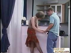 Russian MILF on the floor no condom