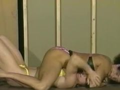 Grappling Ziggy vs CC : witness the other vids at Toughgirls.com