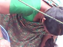 Chennai super-steamy aunty deep bosom in public