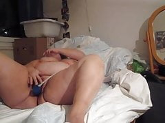 Cruel talking BBW orgasms hither vibrator