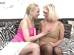 Hot girl seducing a naughty lesbian mother