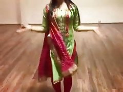 Clad cool dance by sexy stunner on hindi song