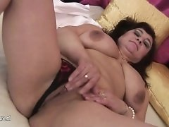 Huge titted mature mumsy playing with herself