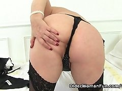 British granny Alisha Rydes is going solo in stockings