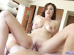 Cougar excursion - sensuous cougar Alice gets porked - Part 1