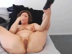 Lippy housewife Ava with mature figure and pierced tits